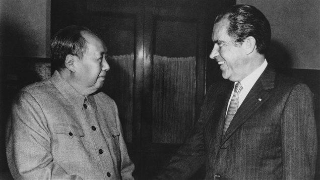Una foto racconta l'incontro tra Mao Tse-tung e Richard Nixon
